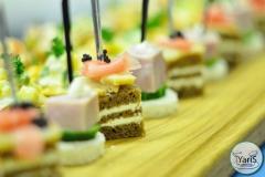 Кофе-брейк с закусками для семинара от выездного кейтеринг ресторана «Yaris Catering»08