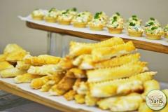 Кофе-брейк с закусками для семинара от выездного кейтеринг ресторана «Yaris Catering»12