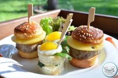 Солнечный пикник на День Рождения от выездного кейтеринг ресторана «Yaris Catering»03