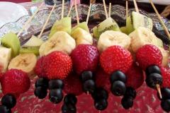 Солнечный пикник на детском дне рождения - кейтринг компания «Yaris Catering» 12