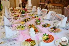 Уютный День Рожденья дома от выездного кейтеринг ресторана «Yaris Catering»05