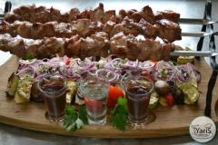 Барбекю для дружной компании от выездного кейтеринг ресторана «Yaris Catering»05