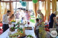 Солнечный пикник на День Рождения от выездного кейтеринг ресторана «Yaris Catering»14